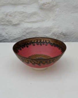 Peter Wills matte pink ceramic bowl white foot wychwood art