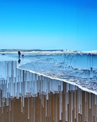 Katie Hallam artist Beach scene