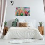 Alanna Eakin Flowers in situ above bed-3922d7ff